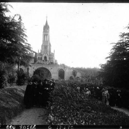La canonisatiotn de Jeanne d'Arc à Rome pélerinage à Notre Dame de Lourdes au Vatican