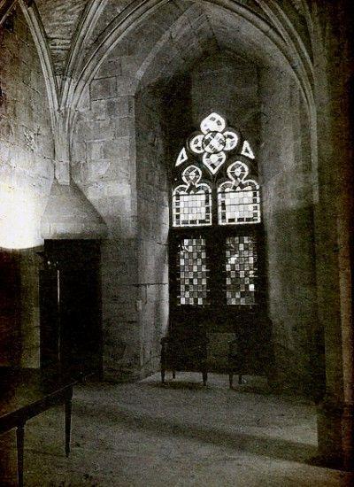 Salle des Pas Perdus,' now the Great Hall of the Palais de Justice. Poitiers